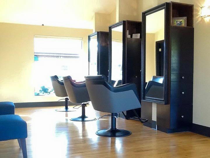 Chair Rental Salon M